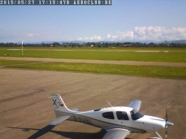 http://panaro.cpsoftware.it/aeroclub/webcam.jpg